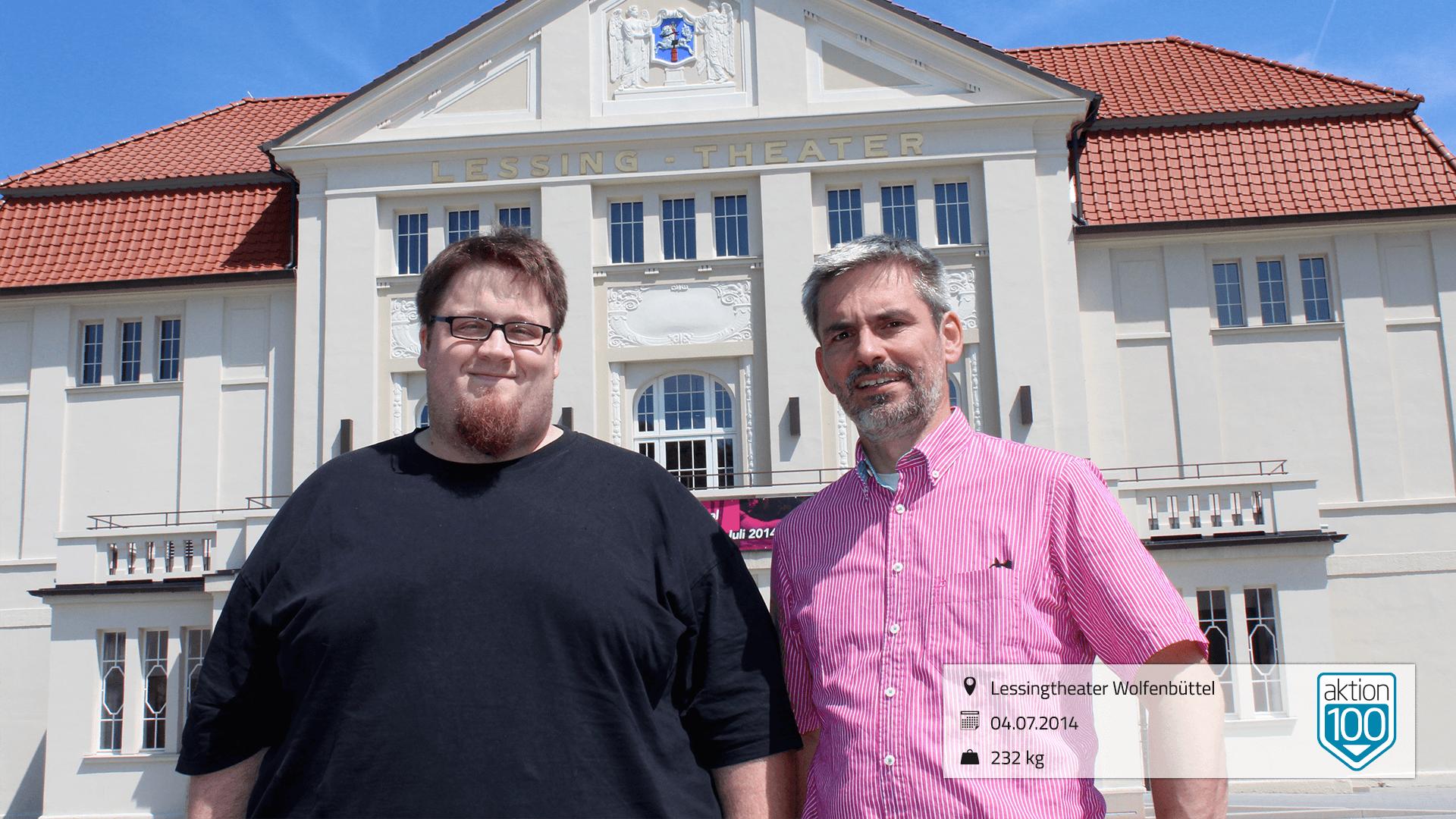 Motivator Stefan Brix vor dem Lessingtheater Wolfenbüttel Juli 2014