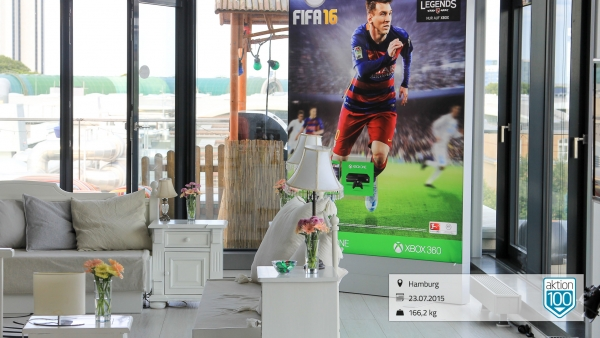 EA Sports FIFA 16 Players First Tour in Hamburg Sturmfreie Bude