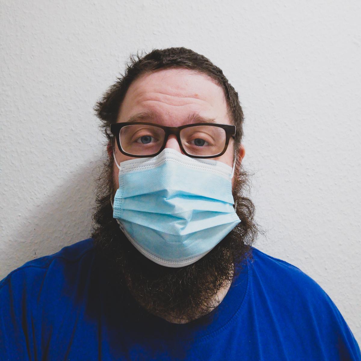 Maskenpflicht Vogt mit dem Bart vorher